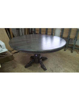 Round kitchen table from the full massif of the Oak, d = 135